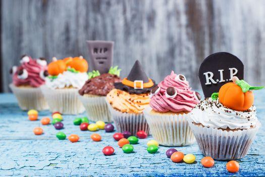 Хэллоуиновские кексы · бесплатное фото