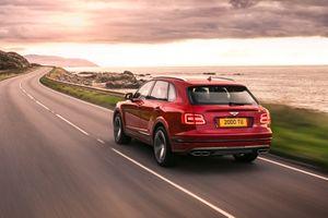 Фото бесплатно Bentley Bentayga, Bentley, в движении
