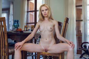 Бесплатные фото Maria Rubio,красотка,голая,голая девушка,обнаженная девушка,позы,поза