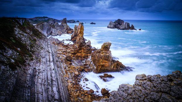 Бесплатные фото морской пейзаж,Кантабрийское море,Испания,Кантабрия,costa quebrada,береговая линия,Costa Cantabrica,океан,скалы,волны,пейзаж