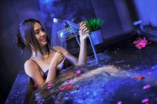Photo free Beautiful girl in jacuzzi with rose, pool, shower