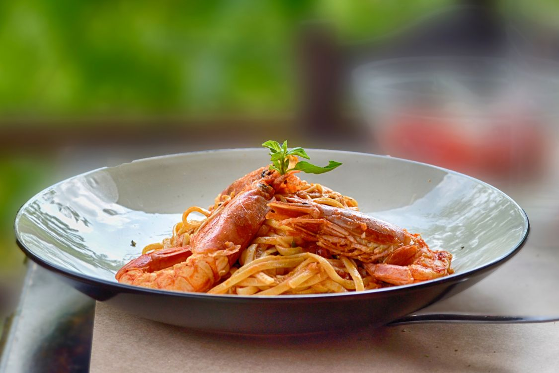 Обои блюдо, крупным планом, приготовленный, кухня, вкусно, глубина резкости, фокус, пища, пищевая фотография, итальянская еда, листья, обед, еда, на открытом воздухе, макаронные изделия на телефон | картинки еда