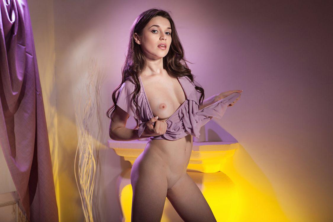 Серена Вуд выставляет свое красивое тело · бесплатное фото