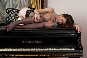 Бесплатные фото Anita C,Danica,Luisa,Anita Silver,эротика,голая девушка,обнаженная девушка