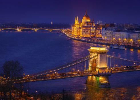 Заставки Венгерский парламент,великолепие и слава в Будапеште,Будапешт,цепной Мост,Parlament Margretbridge,Венгрия,Дунай,город,ночь