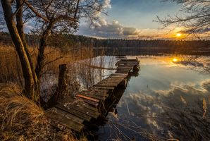 Бесплатные фото закат,озеро,осень,мостик,причал,место отдыха,лес