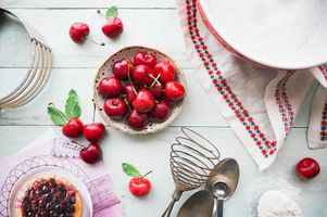Photo free cherries, fruit plate, fruit