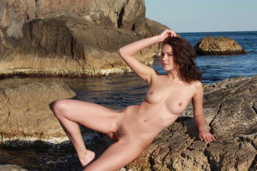 Бесплатные фото Liza J,красотка,голая,голая девушка,обнаженная девушка,позы,поза,сексуальная девушка,эротика,Nude,Solo,Posing