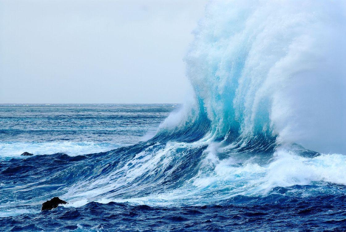 Волна и брызги · бесплатное фото
