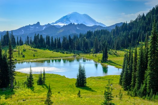 Фото бесплатно Tipsoo Lake, Mount Rainier National Park, Washington