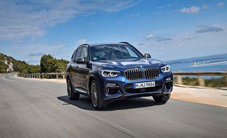 Фото бесплатно BMW X3, синий внедорожник, внедорожники, загородная дорога, скорость, автомобиль, ограждение, BMWX3