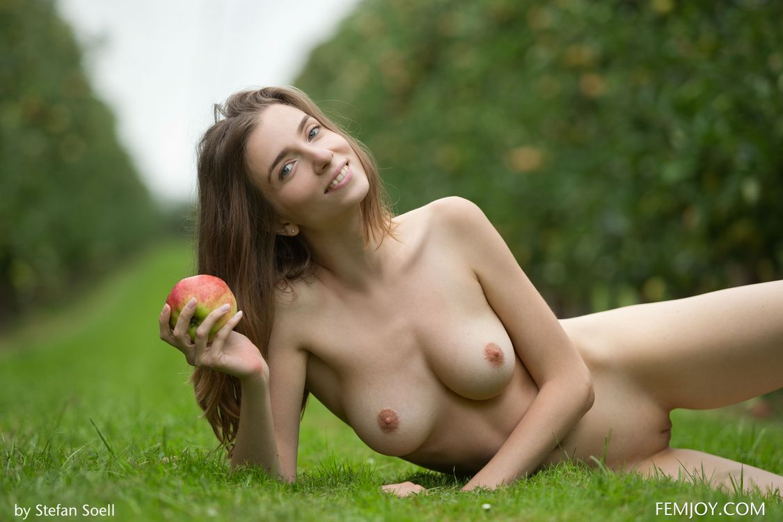 С при голые девушки какие