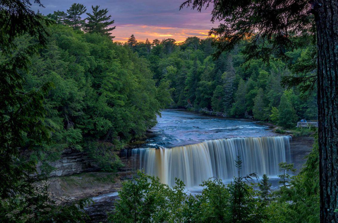 Фото бесплатно Tahquamenon Falls, Michigan, закат, река, лес, деревья, водопад, природа, пейзаж, пейзажи