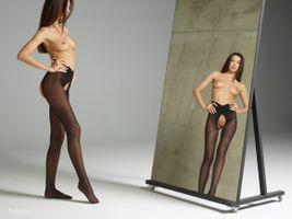 Бесплатные фото Nicolette,красотка,голая,голая девушка,обнаженная девушка,позы,поза