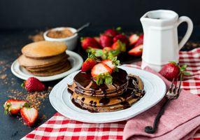 Бесплатные фото завтрак,блины,шоколад,клубника