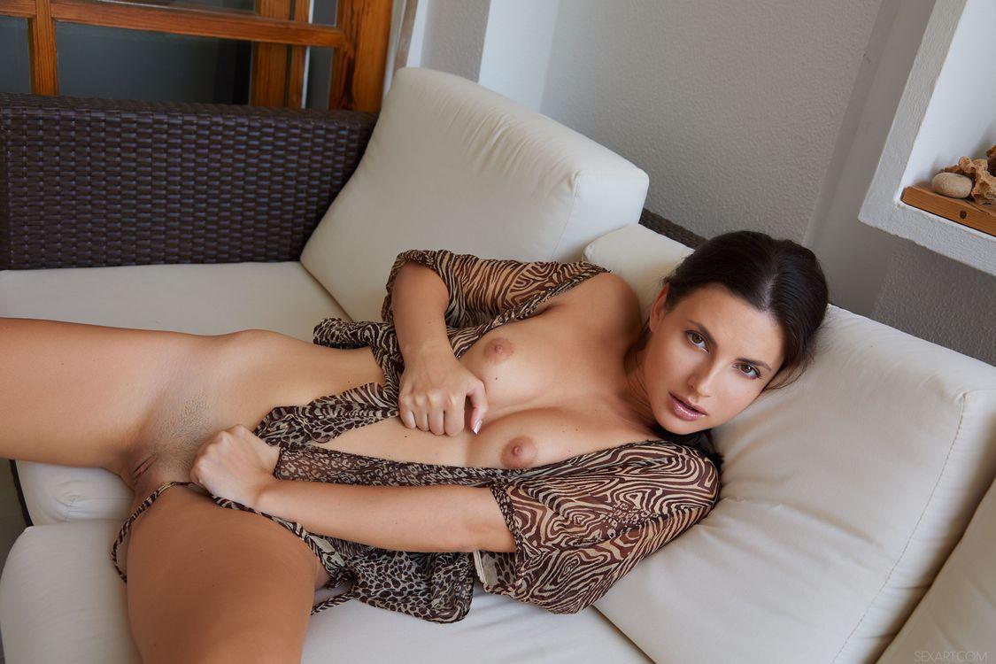 Aliana - обнаженная девушка · бесплатное фото