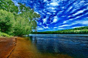 Бесплатные фото река,небо,облака,деревья,пляж,берег,пейзаж
