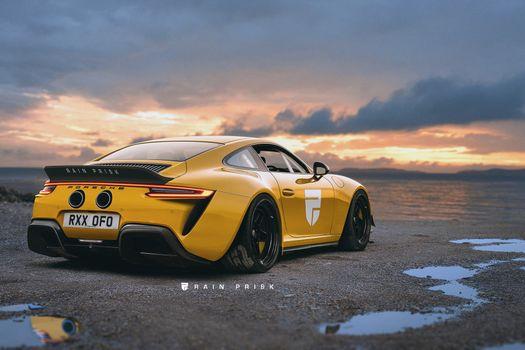 Желтый Парше 911