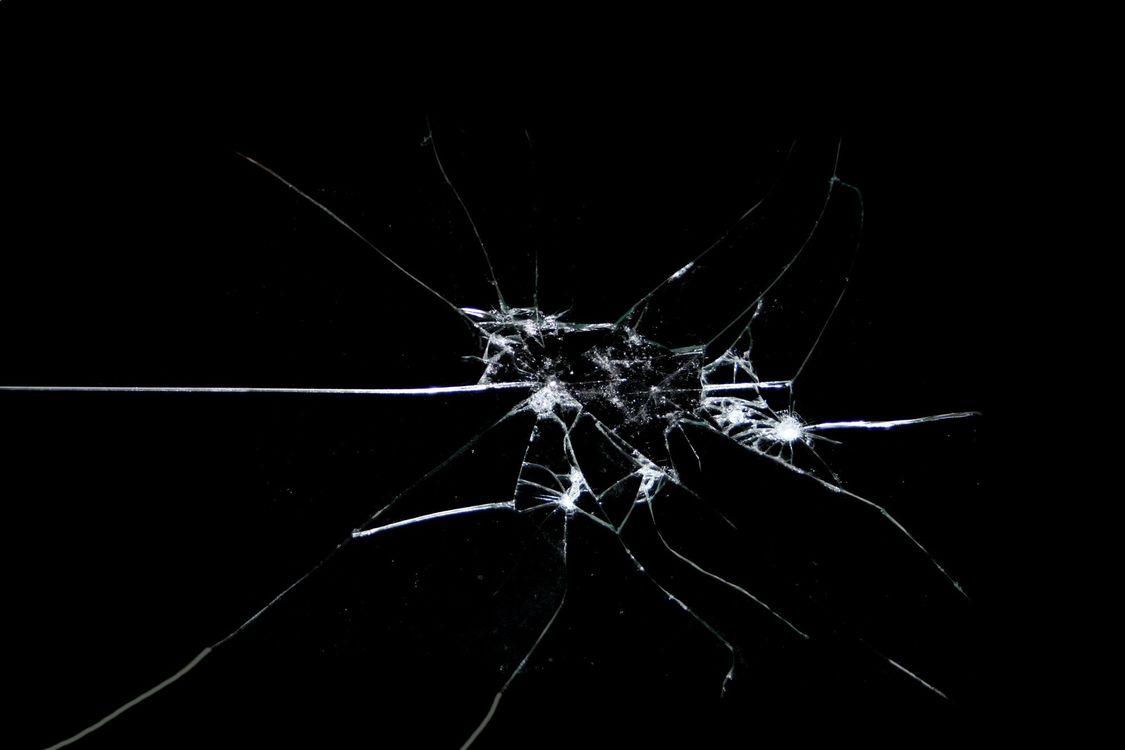Обои разбитые, трещины, боке картинки на телефон