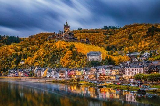 Фото бесплатно Cochem, Germany, осень, деревья, лес, дома, берег, береговая линия, поселение, Кохем, река Мозель, Германия в сумерках