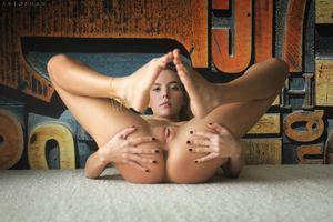 Бесплатные фото Katya Clover,Clover,Mango A,голая,голая девушка,обнаженная девушка,позы