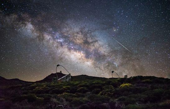 Бесплатные фото Италия,природа,рок,skynight,ночь,звезды,Астро,обсерватория,телескоп,Млечный Путь,след,длительная выдержка