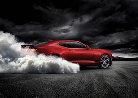 Chevrolet Camaro SS smoke from under the wheels · free photo