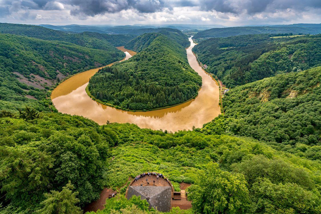 Цветущая река Саар в Германии · бесплатное фото