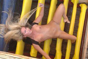 Фото бесплатно Mira A, красотка, голая, голая девушка, обнаженная девушка, позы, поза, сексуальная девушка, эротика, Nude, Solo, Posing, Erotic
