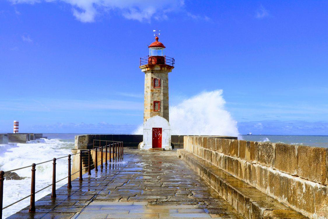 Обои море, маяк, волна, башня, небо, мыс, волнорез, берег, пирс, фиксированная ссылка на телефон   картинки пейзажи