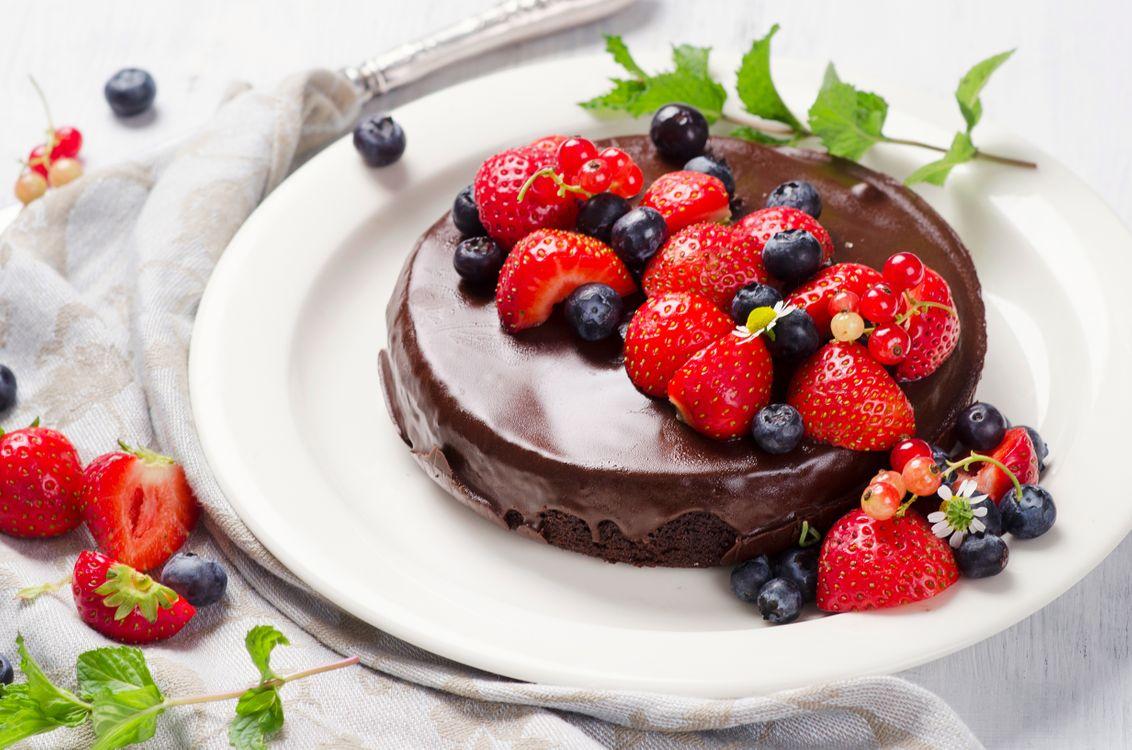Фото бесплатно клубника, шоколад, торты - на рабочий стол