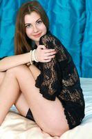 Бесплатные фото Marta E,сорочка,черная,прозрачная,шатенка,красивая,девушка