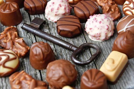 Бесплатные фото задний план,день рождения,конфеты,шоколад,концепция,темно,день,десерт,пища,подарок,гурман,счастливый