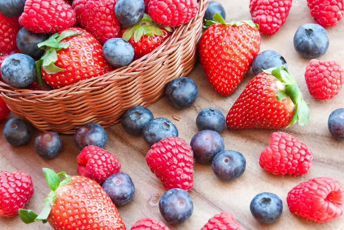 Фото бесплатно корзинка, лето, ягоды - на рабочий стол
