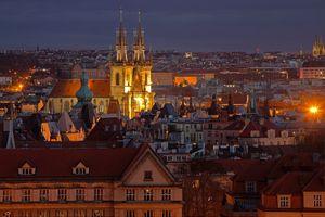 Бесплатные фото Старый город,Прага,Чехия,дома,ночь,иллюминация