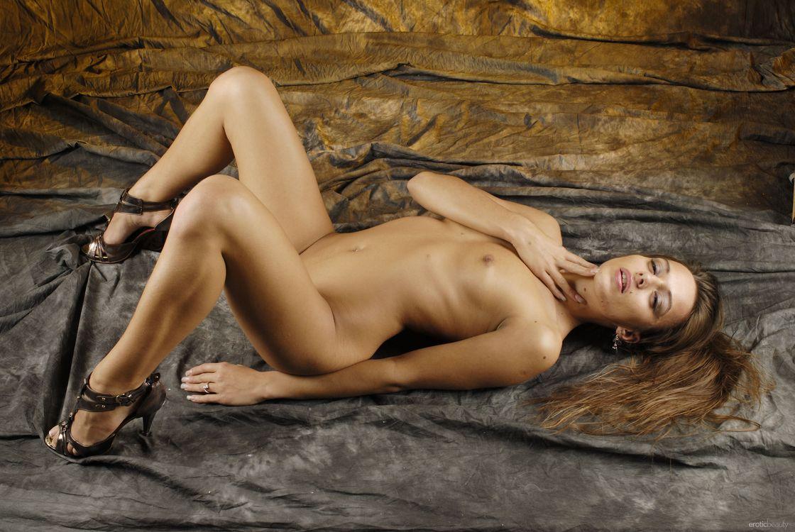 Фото бесплатно Dominika Chybova, Dominika C, Dominica, Dominika A, Dominique, Dita, Lady Domy, голая девушка, обнаженная девушка, позы, поза, сексуальная девушка, эротика, Nude, Solo, эротика