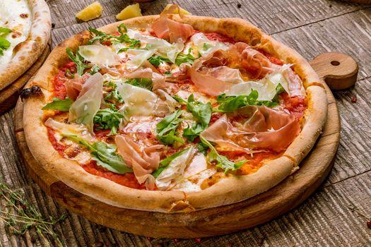 Пицца на подставке
