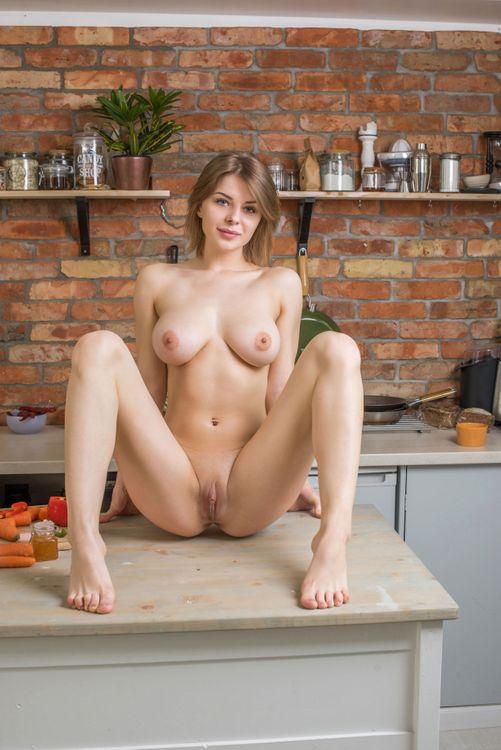 Фото бесплатно Yelena, красотка, голая, голая девушка, обнаженная девушка, позы, поза, сексуальная девушка, эротика, Nude, Solo, Posing, Erotic, фотосессия, sexy, эротика
