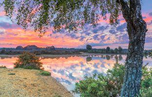 Отражение вечернего неба · бесплатное фото