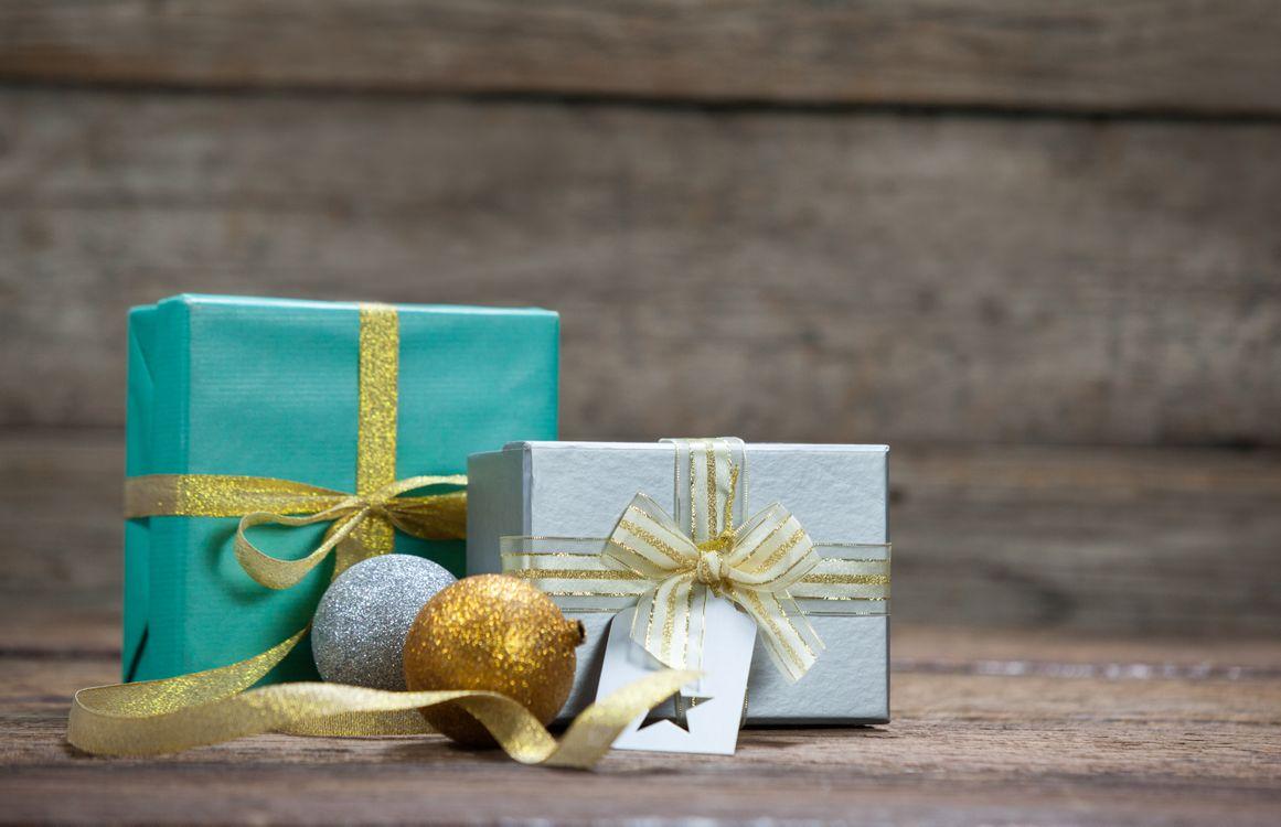 Фото бесплатно подарки, игрушки, конверт, обертка, ленточка, новый год