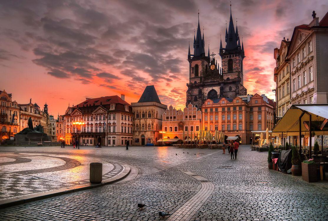 Фото бесплатно Прага, Чешская республика, архитектура, здание, вечер, огни, городской пейзаж, облака, дом, городская площадь, старое здание, закат, кафе, люди, hdr, город