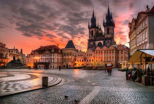 Бесплатные фото Прага,Чешская республика,архитектура,здание,вечер,огни,городской пейзаж,облака,дом,городская площадь,старое здание,закат