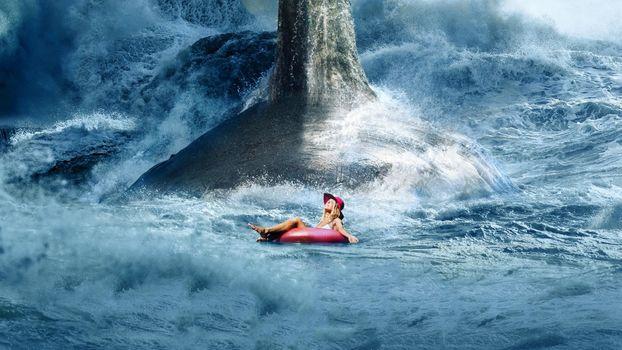 Фото бесплатно Мэг, девушка на кругу, акула