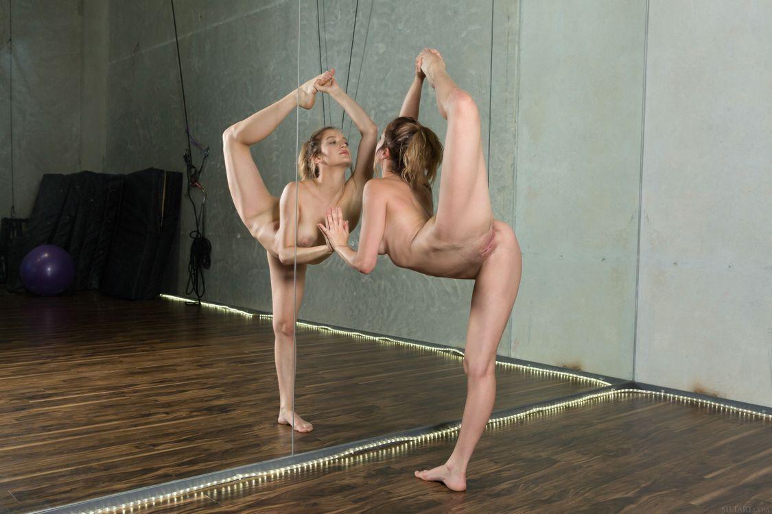 Обои Dakota Burd, красотка, голая, голая девушка, обнаженная девушка, позы, поза, сексуальная девушка, эротика, Nude, Solo, Posing, Erotic на телефон | картинки эротика - скачать