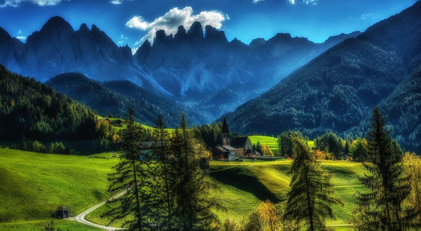 Фото бесплатно Доломитовые Альпы, Santa Maddalena, Италия, горы, холмы, деревья, дорога, пейзаж, пейзажи - скачать на рабочий стол