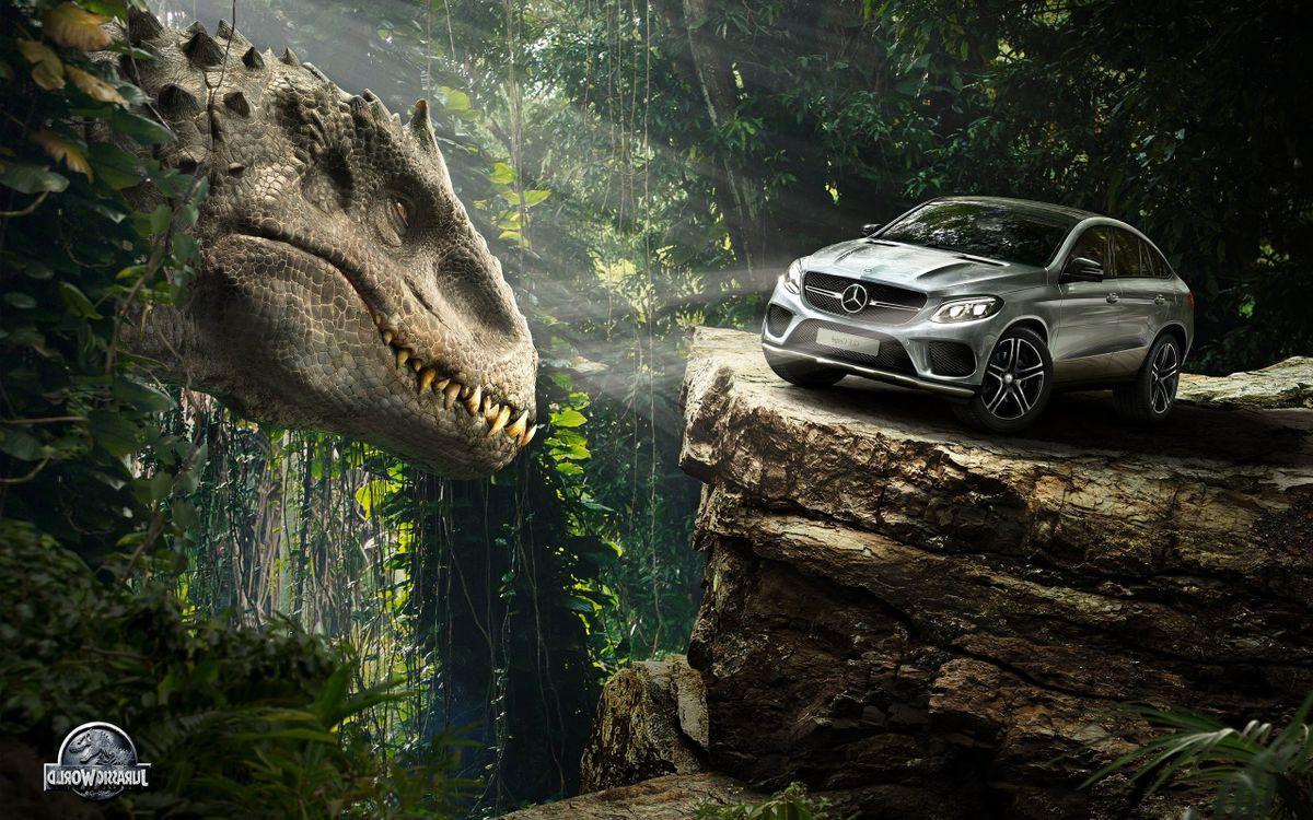 Фото бесплатно Mercedes Benz, тиранозавр, джунгли - на рабочий стол