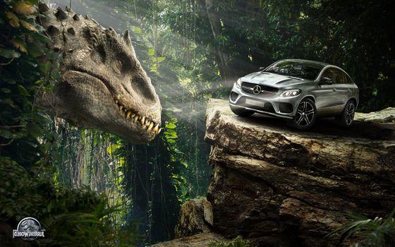 Фото бесплатно Mercedes Benz, тиранозавр, джунгли
