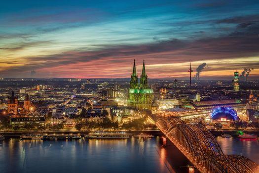 Заставки Синий час в городе Кельне на реке Рейн, Кельн, река Рейн