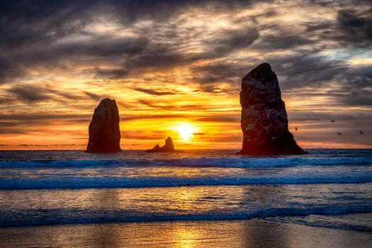 Заставки Sunset at Cannon Beach, Oregon, море