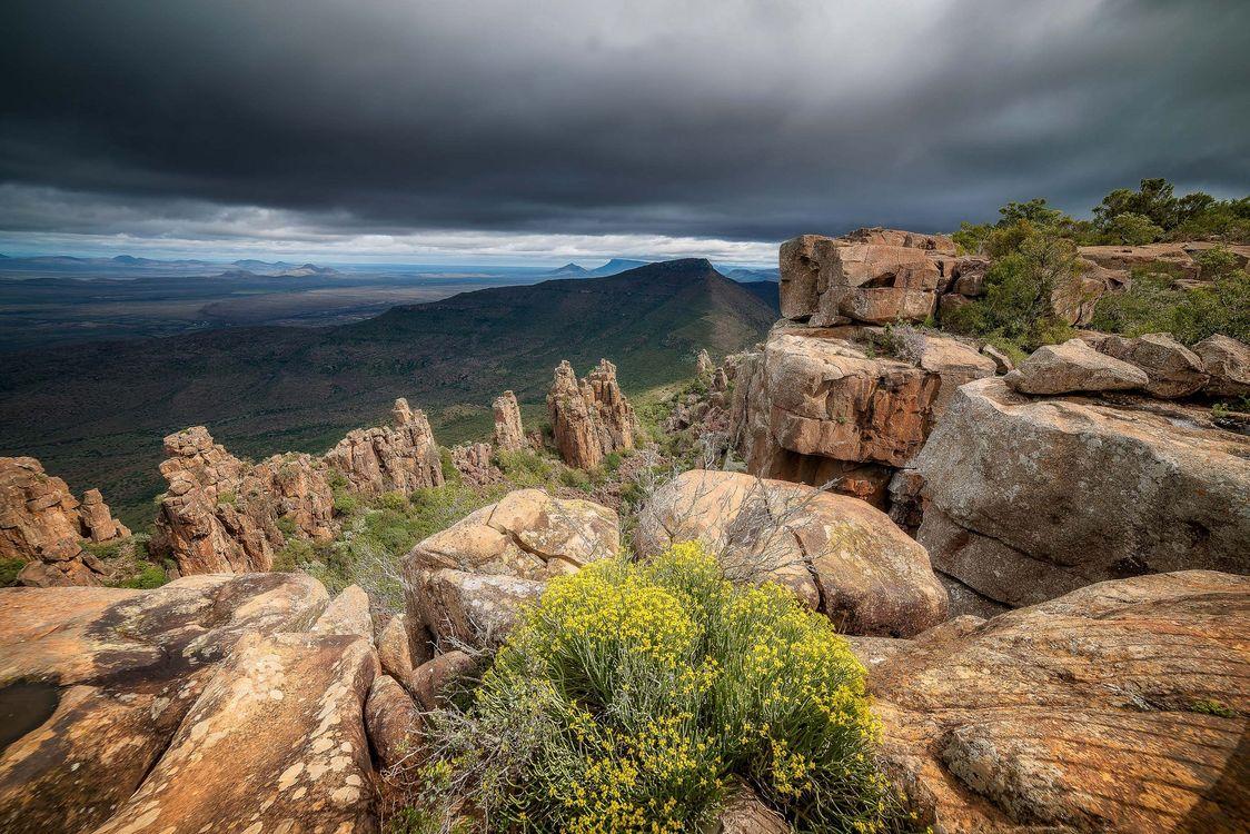 Фото бесплатно Camdeboo National Park, горы, скалы, цветы, небо, пейзаж, пейзажи